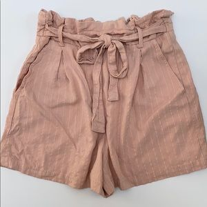 BERSHKA Elastic Pale Pink Shorts with Bow-Tie
